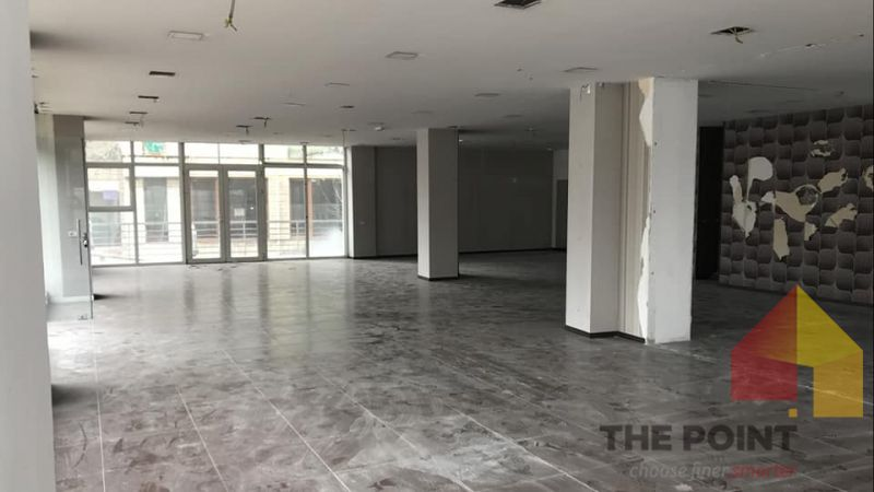 Commercial space 560 sq m for Rent at Elbasani's Street