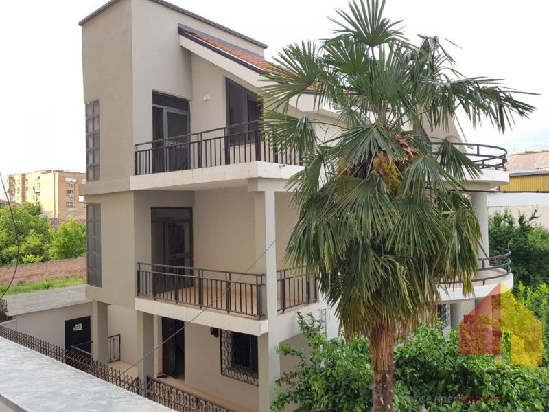 Rent a 3 storey villa near the Ministry of Foreign Affairs
