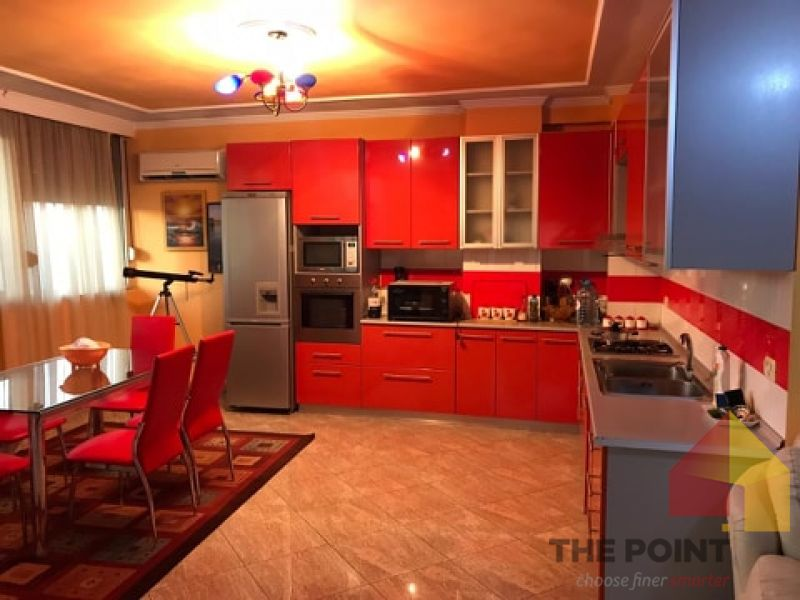 Apartment 3+1 for rent at Materniteti i Vjeter