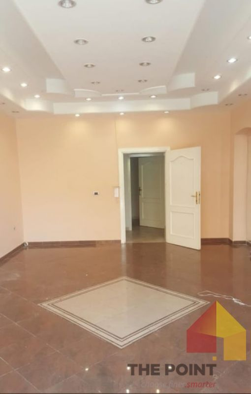 Commercial environment for rent to Kavaja Street