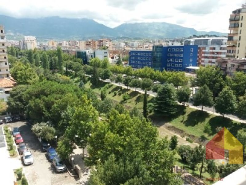 Commercial space for sale at Bulevardi Zhan d`Ark