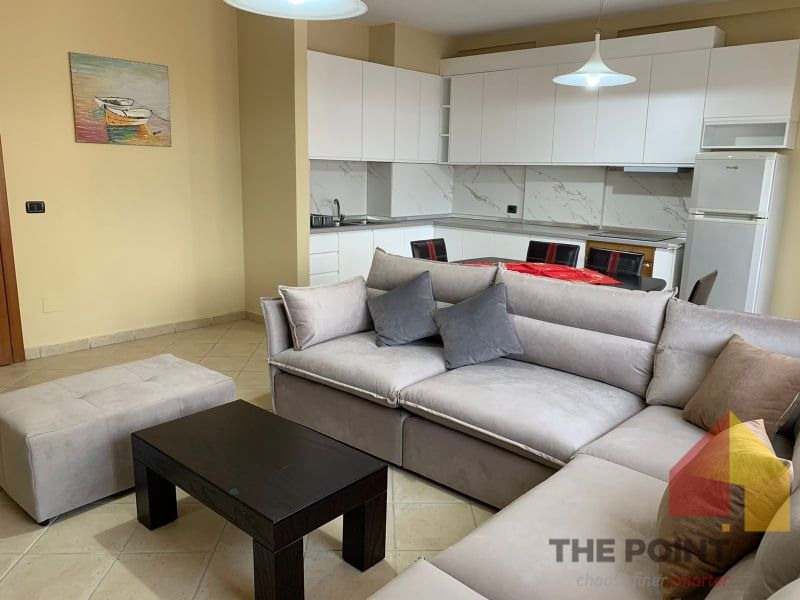 Apartment 2+1+ garage for rent at Center